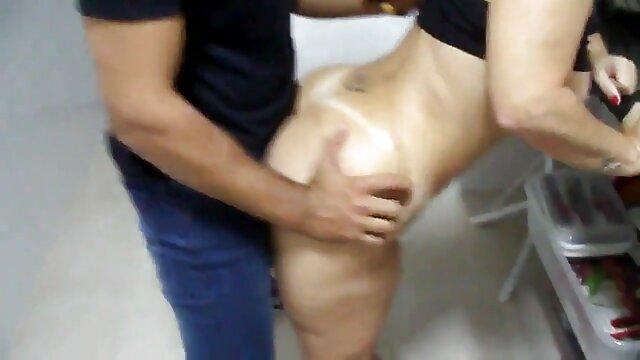 XXX regisztráció nélkül  Aranyos, pornó nagy seg rózsaszín, simogatta punci, lány veszi kakas a punci a hálószobában