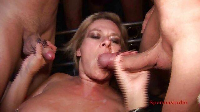 XXX regisztráció nélkül  A lány dick finoman nagy segg sex kap orgazmus kézzel.