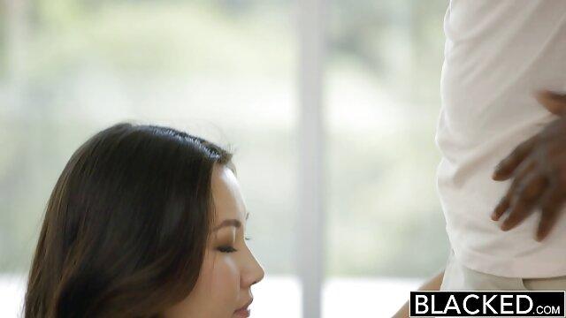 XXX regisztráció nélkül  Ázsiai punci, valamint az ügyfél kapcsolatok nagy segg baszás vele