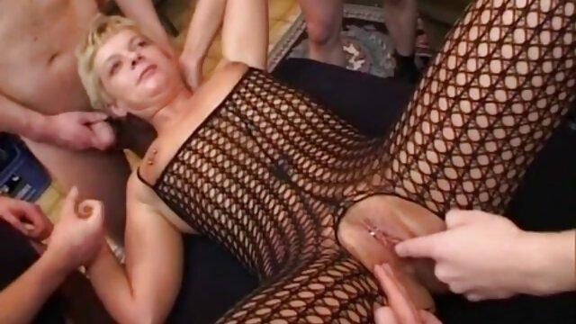 XXX regisztráció nélkül  Seggbe, kék bugyi, egy a szex nagy segg tornateremben