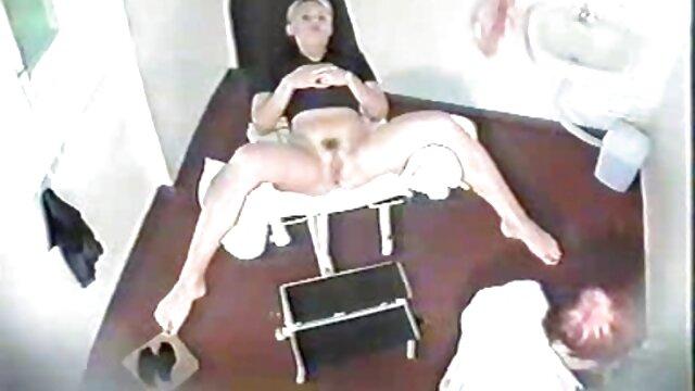 XXX regisztráció nélkül  Két érett leszbikusok egy ablak közelében, segg szex akkor egy nagy ember