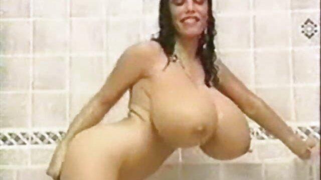 XXX regisztráció nélkül  Kutya Elveszett sport seg porno a földön, játék rezgés