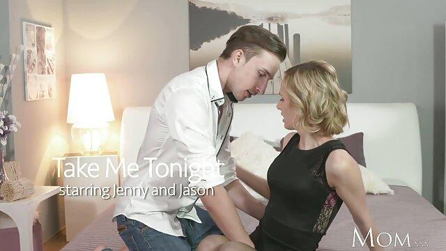 XXX regisztráció nélkül  Szépség kék Leggings öntsük az pornó nagy seg olajat egy tekercs