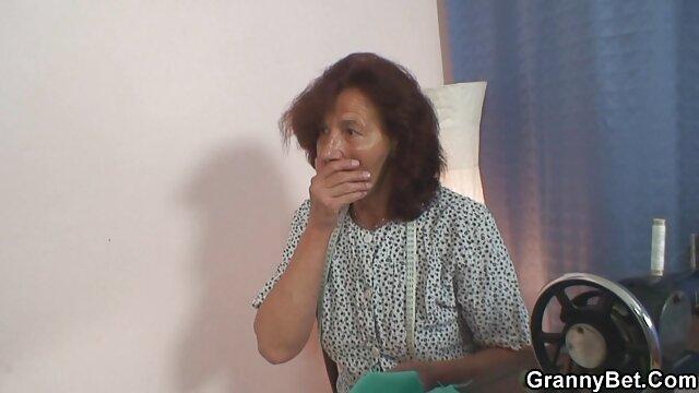 XXX regisztráció nélkül  Anya Harisnya, rózsaszín Felső szopni a kakas hahala nagy segg xxx küld a konyhában