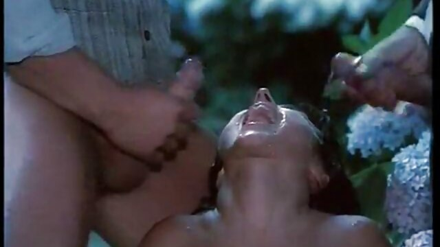 XXX regisztráció nélkül  Édes, pufók, Kylie oldal, hogy orgazmus egy férfi abban nagy segg dugás a helyzetben, lovas, a nők pedig a hátán feküdt