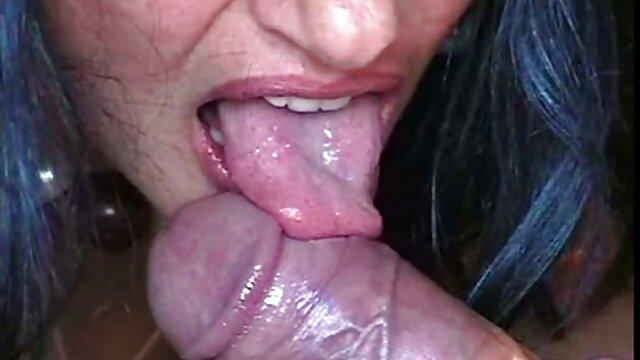 XXX regisztráció nélkül  Gyönyörű lány vissza kombinált nagy seggű pornó fürdőszoba