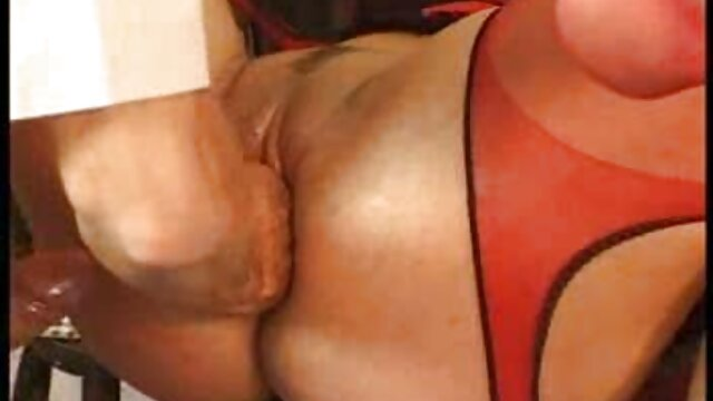 XXX regisztráció nélkül  Cserzett férfi, egy nagy seggű nők nő a végbélnyílás